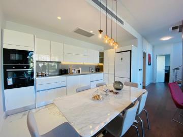 beautifully-finished-kitchen
