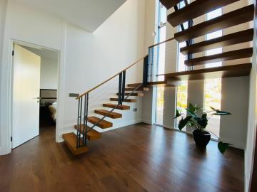 modern-staircase-to-upper-floor