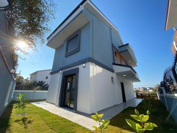 well-built-modern-detached-home