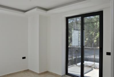bedroom-with-balcony