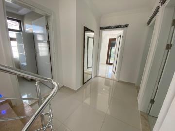 first-floor-of-villa