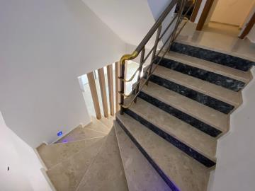 stairs-to-upper-floors