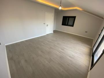 bright-double-bedroom