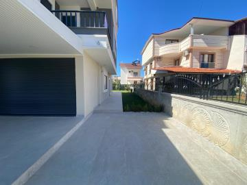 private-driveway