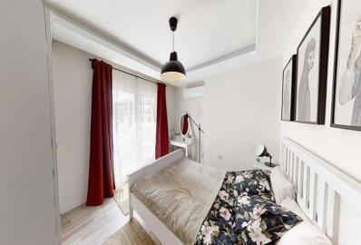 bedroom-with-access-to-balcony