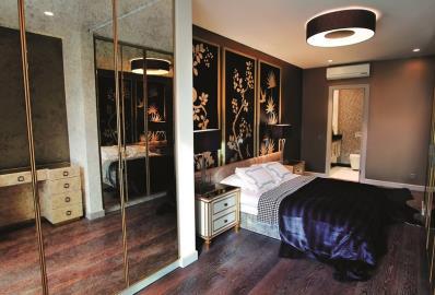 large-bedroom-with-en-suite