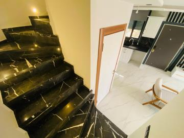 stairs-to-first-floor