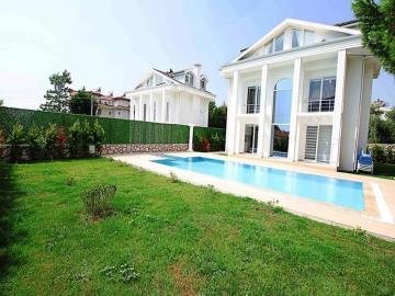 private-pool-and-garden