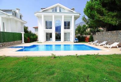 stunning-detached-villas
