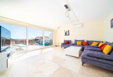 large-lounge