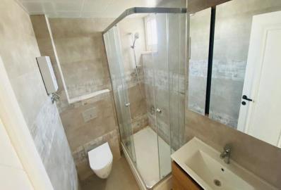 modern-fitted-bathroom