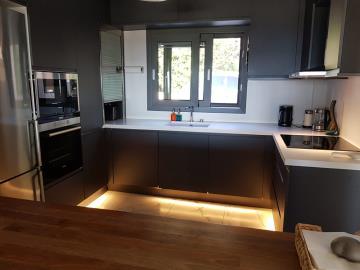 modern-fitted-kitchen