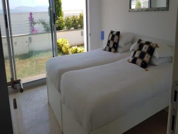 twin-bedroom-with-garden-access