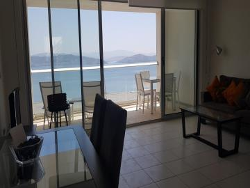 living-area-with-access-to-sea-view-terrace