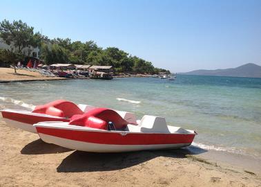 watersport-on-Jasmin-beach