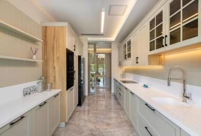 lovely-fitted-kitchen