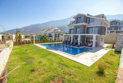Villa-with-private-pool-and-garden