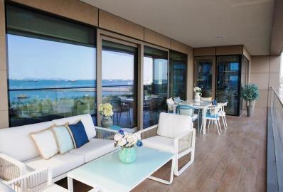 fabulous-large-balcony