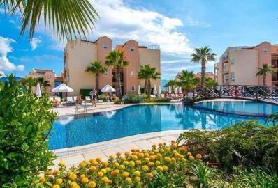 Lovely-Pool-Area--Apartment-on-Golf-and-Spa-Resort--Kusadasi