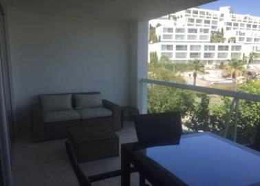 good-size-balcony-with-new-furniture