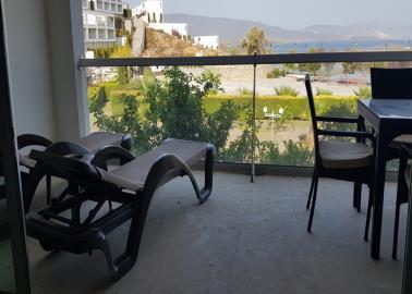 lovely-sea-view-balcony