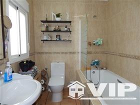 Image No.12-6 Bed Villa for sale