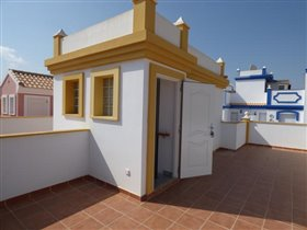 Image No.9-3 Bed Townhouse for sale