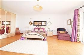 Image No.10-Villa de 5 chambres à vendre à Sao Bras de Alportel