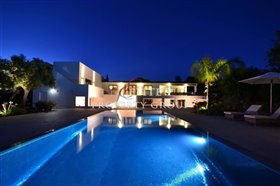 Image No.0-Villa de 5 chambres à vendre à Loule