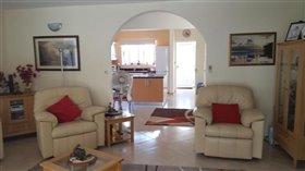Image No.11-Villa de 3 chambres à vendre à Stroumpi