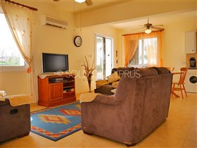 Image No.5-Villa de 2 chambres à vendre à Avgorou