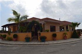 Image No.0-Bungalow de 3 chambres à vendre à Pervolia