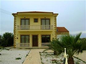 Image No.0-Villa de 4 chambres à vendre à Frenaros