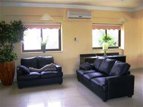 Image No.3-Villa de 4 chambres à vendre à Frenaros