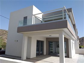 Image No.1-Villa de 4 chambres à vendre à Ayios Tychonas