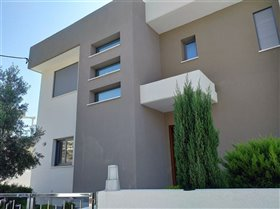 Image No.2-Villa de 4 chambres à vendre à Ayios Tychonas