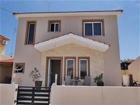 Image No.0-Villa de 3 chambres à vendre à Pylas