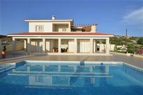 Image No.0-Villa de 6 chambres à vendre à Peyia