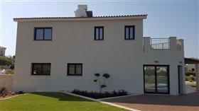 Image No.0-Villa de 4 chambres à vendre à Kouklia
