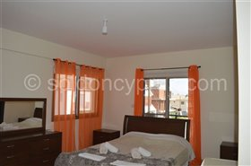 Image No.11-7 Bed Villa for sale