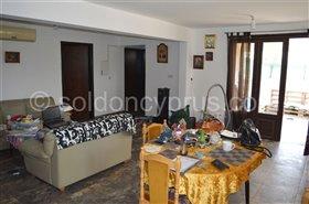 Image No.17-7 Bed Villa for sale
