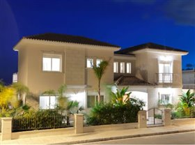 Image No.0-Villa de 5 chambres à vendre à Ayios Tychonas