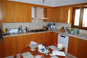 Image No.2-4 Bed Bungalow for sale