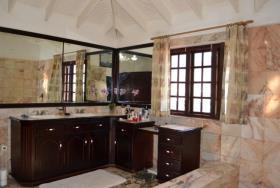 Image No.2-Villa de 4 chambres à vendre à Rodney Bay