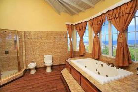 Image No.2-Villa de 7 chambres à vendre à Gros Islet