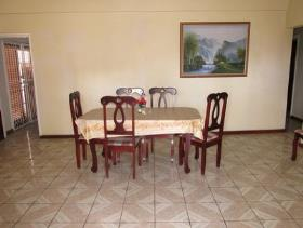 Image No.2-Maison / Villa de 5 chambres à vendre à Castries