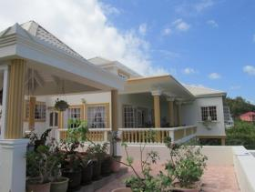 1. 4 Bed House/Villa for sale