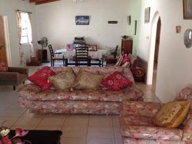 Image No.2-Chalet de 5 chambres à vendre à Gros Islet