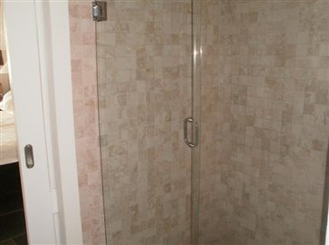 En-suite-shower-1-768x570