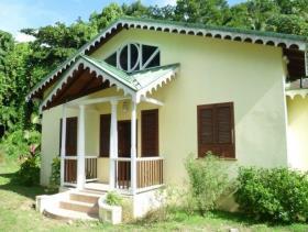 Image No.1-Maison de 2 chambres à vendre à Soufrière
